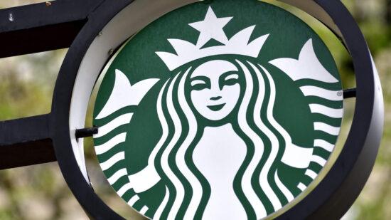 Ποιος είναι ο λογος που πληρώνεις 5 ευρώ στα Starbucks για τον χειροτερο καφε του κοσμου;